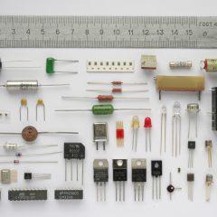 Komponen Elektronik Resistor dan Kapasitor